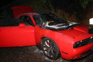 V Královéhradeckém kraji shořel Dodge. Škoda jde do statisíců