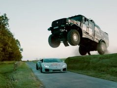 mad-mike-whidett-lamborghini-huracan-eduard-nikolaev-kamaz-red_bull-goodwood-video