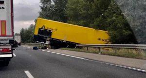 renault-sport-f1-nehoda-kamion