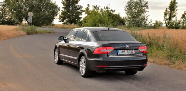 test-2013-skoda-superb-36-fsi-v6-4x4-dsg- (5)