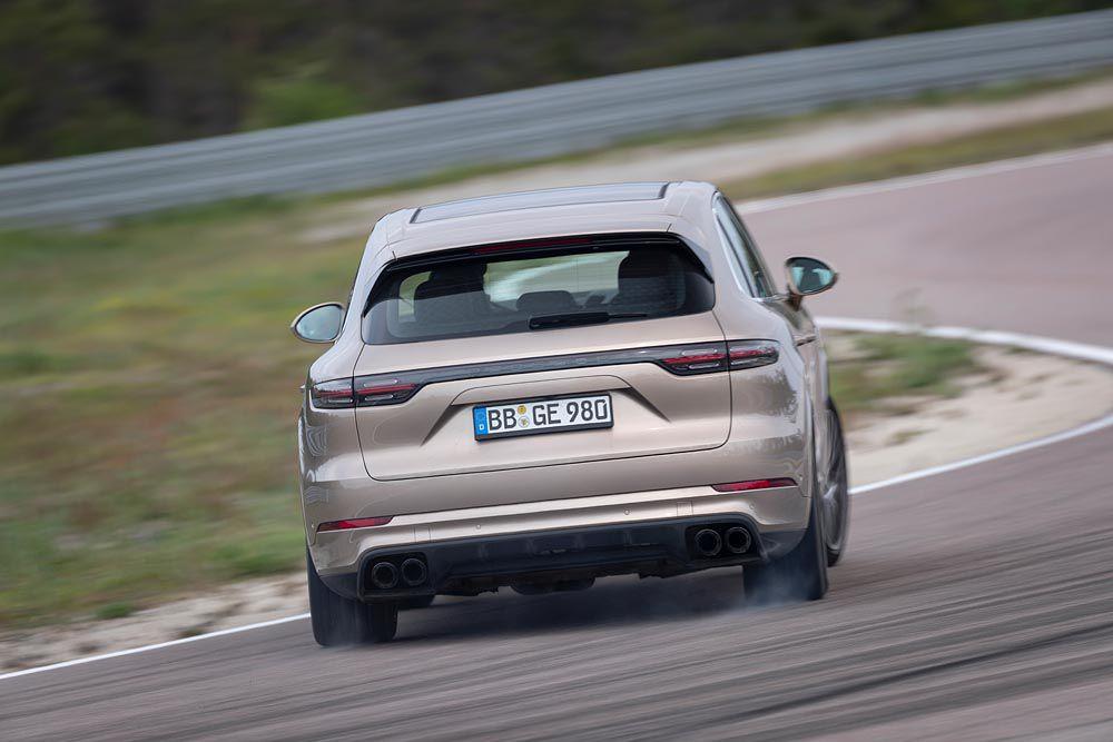 Porsche-Cayenne-Turbo-S-E-Hybrid-02