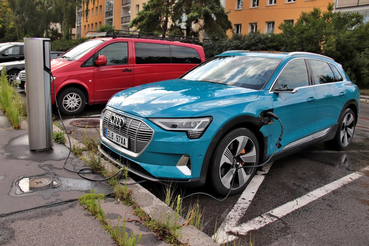 test-elektromobilu-2019-audi-e-tron-55-quattro- (49)