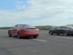 zavod-ve-sprintu-tesla-model-s-vs-mercedes-amg-gt-63-4dverove-kupe-video