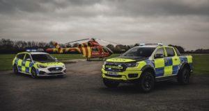 policie-velka-britanie-ford-focus-st-combi-a-ford-ranger-raptor- (1)