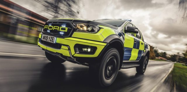 policie-velka-britanie-ford-focus-st-combi-a-ford-ranger-raptor- (10)