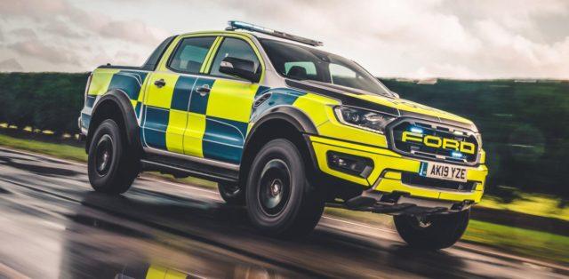 policie-velka-britanie-ford-focus-st-combi-a-ford-ranger-raptor- (11)