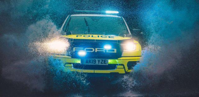 policie-velka-britanie-ford-focus-st-combi-a-ford-ranger-raptor- (15)