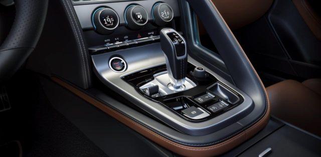 2020-jaguar-f-type-facelift- (24)