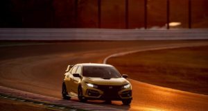 304373_Honda_Civic_Type_R_Limited_Edition_Suzuka_Circuit