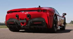 Ferrari-SF90-Stradale-zrychleni-video