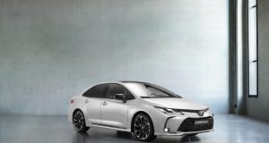 Toyota_Corolla_Sedan_GR_Sport- (1)