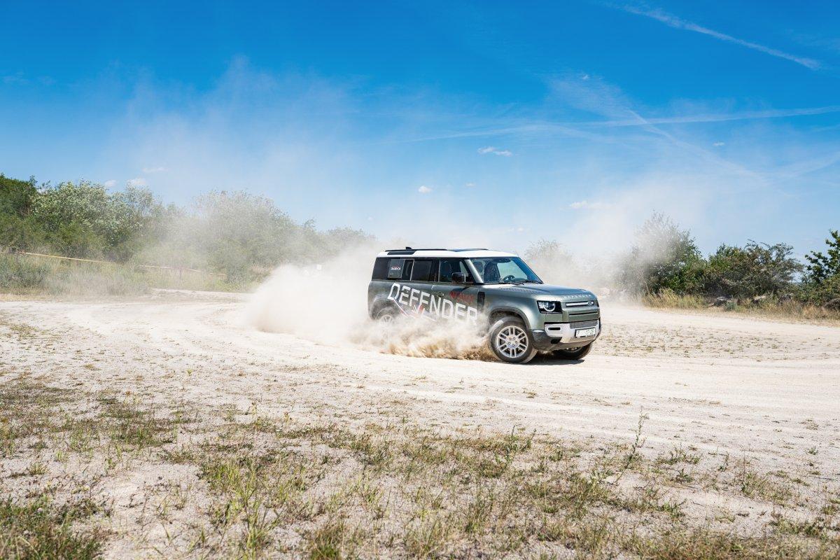 prvni-jizda-Land-Rover-Defender-a-dalsi-modely-v-lomu-Amerika-Dajbych-19