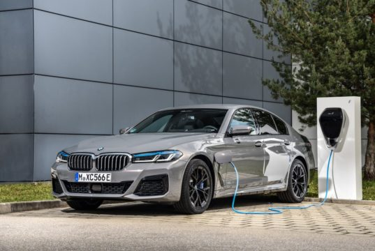 2020-plug-in-hybrid-bmw-545e-xdrive- (1)