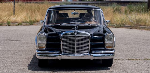 Mercedes-600-LWB-Pullman-3