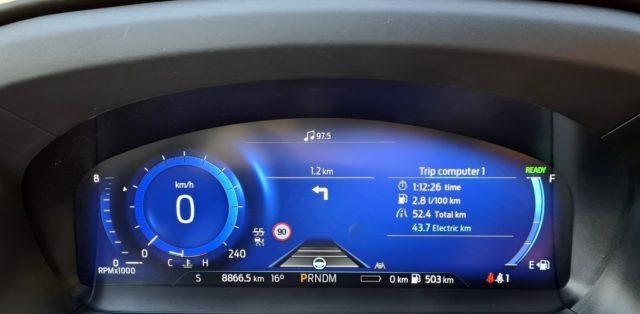 prvni-jizda-2020-ford-explorer-budiky-spotreba- (1)