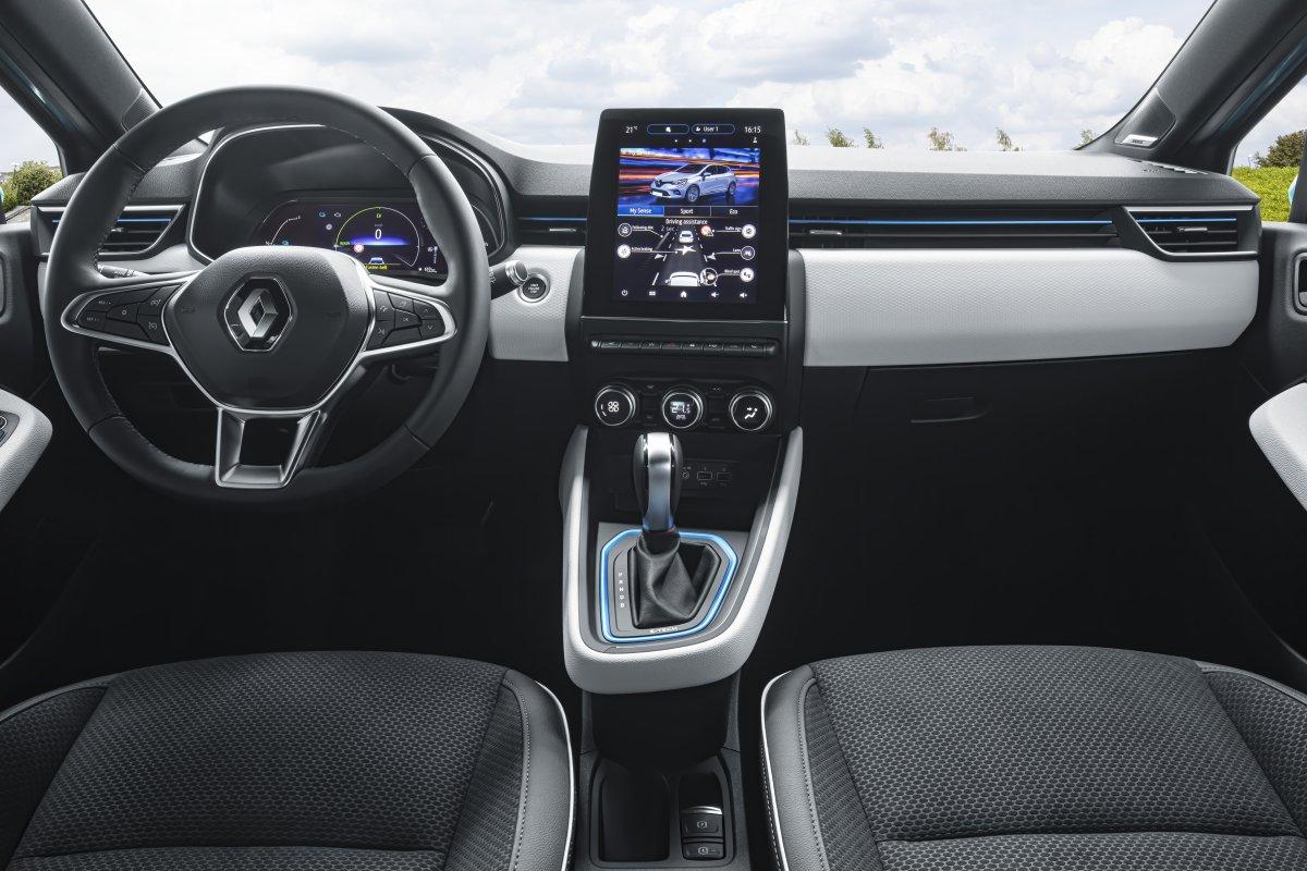 2020-Renault_CLIO_E-TECH-hybrid-7