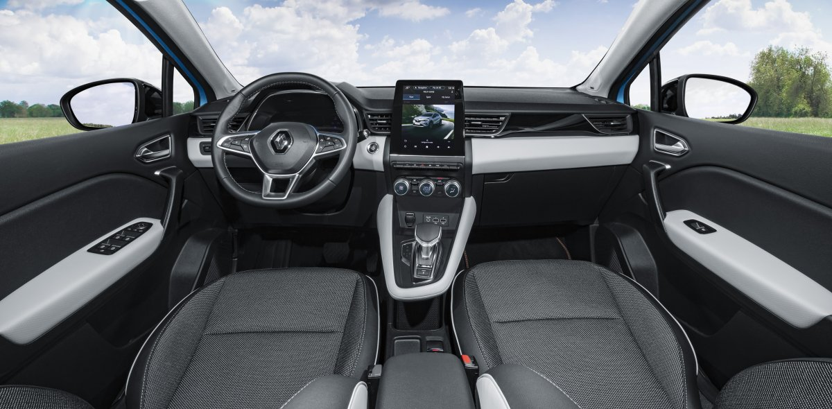 2020-Renault_Captur_E-TECH-plug-in_hybrid-6