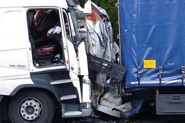 nehoda-dalnice-m1-velka-britanie