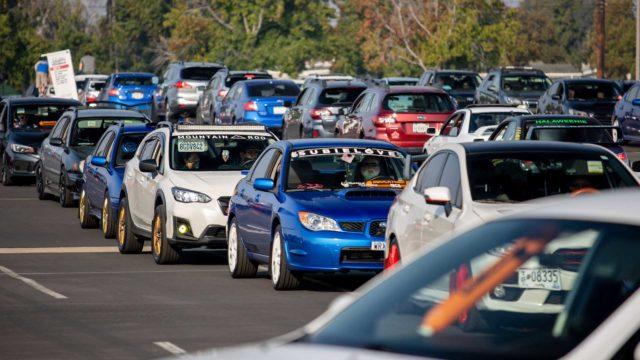 Subaru uspořádalo monstrózní spanilou jízdu. Její výtěžek jde na dobrou věc