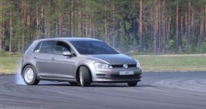 volkswagen-golf-s-motorem-bmw-drift-video